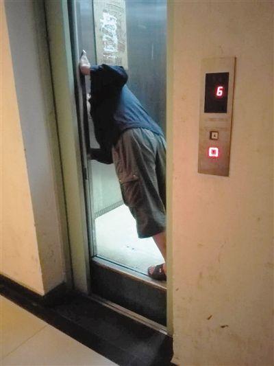 西子奥的斯电梯从13层突坠至6层 曾多次故障
