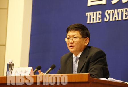 国家统计局新闻发言人李晓超就一季度经济运行情况答记者问