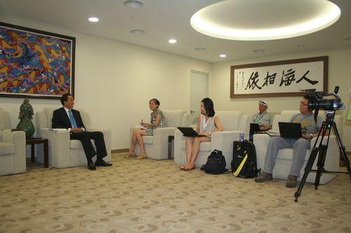 中国馆政府代表赵振格接受中央媒体专访