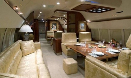 World super-luxury private jet Quest (Figure)