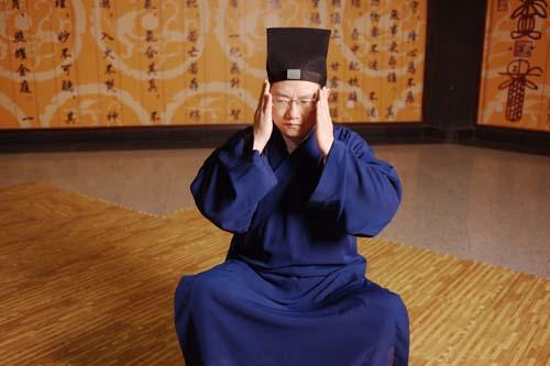 李一入主重庆两座寺庙前 副市长曾为其打招呼