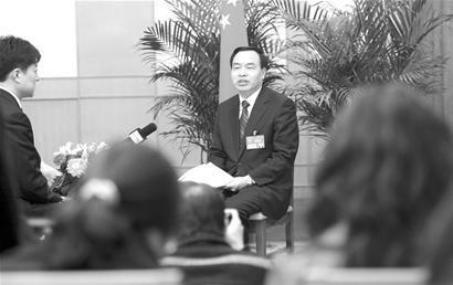 武汉市长称城管是难题 将增10万套保障房(组图)