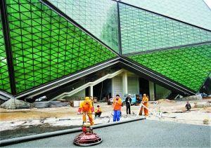 深圳6.7亿建大运游泳馆 水晶外观超水立方(图)