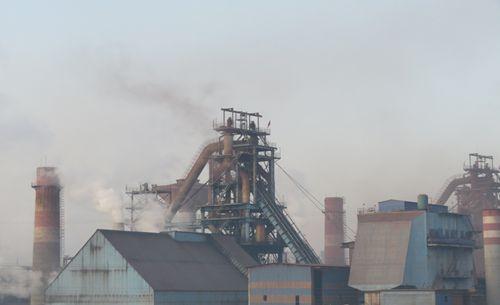 环保部:河北部分钢铁、焦化企业违法排污问题突出