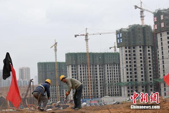 """城镇化变""""造城"""" 楼市库存拖累中西部县域经济"""