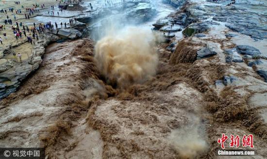 山西壶口瀑布水量持续增大 气势磅礴景象壮观