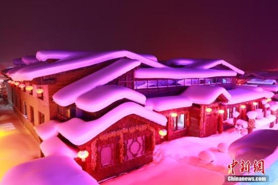 """走进""""中国雪乡"""" 探访冬日里的童话世界"""
