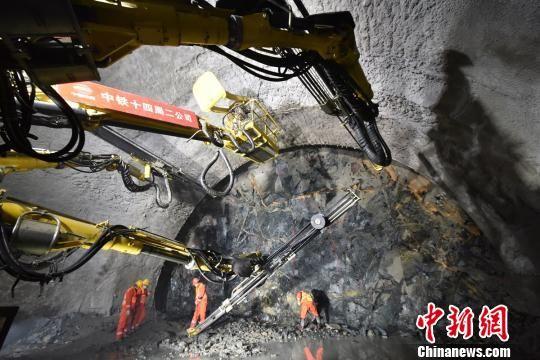 北京兴延、延崇高速公路加快建设 疏解西北通道交通压力