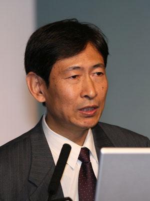 图文:国家环保总局政策法规司司长杨朝飞