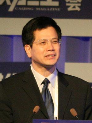 图文:中央编译局副局长俞可平