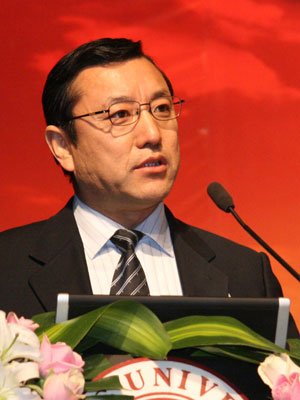 图文:内蒙古自治区副主席连辑