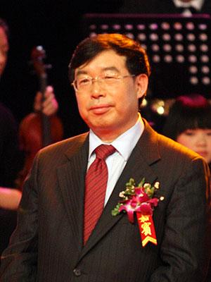 图文:周纪昌获2007中国年度人物提名奖