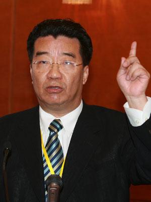 全国政协委员刘梦熊演讲(图)