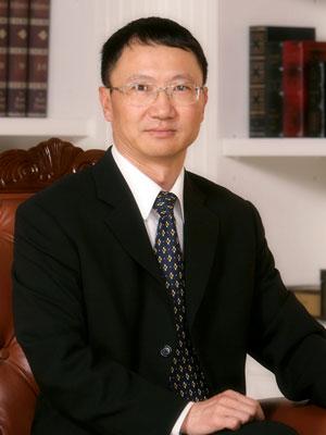参会嘉宾:云南白药集团董事长王明辉