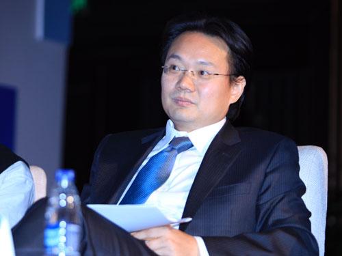 21世纪经济报道主编兼《环球企业家》杂志社发行人刘洲伟(新浪财经 陈鑫 摄)
