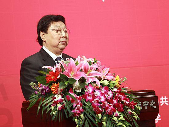 """""""第八届中国文化产业新年论坛""""于2011年1月8日-9日在北京召开。上图为十一届全国政协副主席郑万通。(图片来源:新浪财经 梁斌 摄)"""