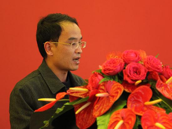 福建龙马环卫装备股份有限公司销售中心总经理曾恩华(图片来源:新浪财经 梁斌 摄)