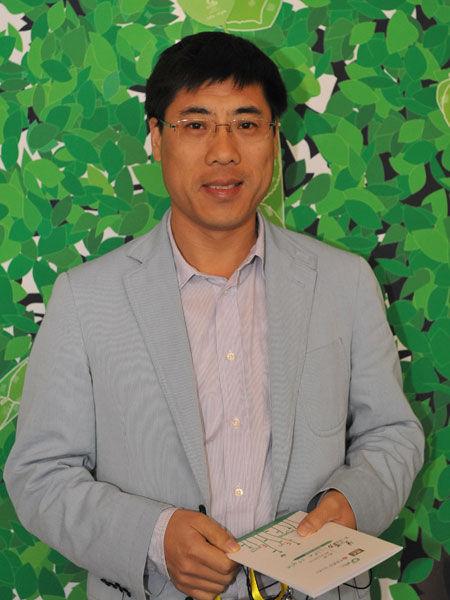 图文:双全控股有限公司董事长王伟斌