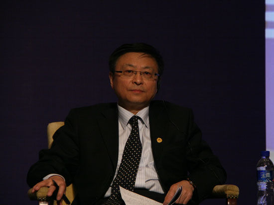 图文:清华大学国际关系研究所所长阎学通参会