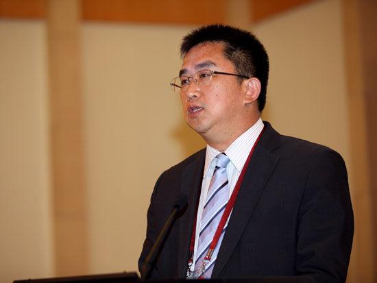 """""""2011中国金融高峰论坛""""于2011年5月18日-19日在北京举行。上图为沈北新区区长李鹏宇。(图片来源:新浪财经 梁斌 摄)"""