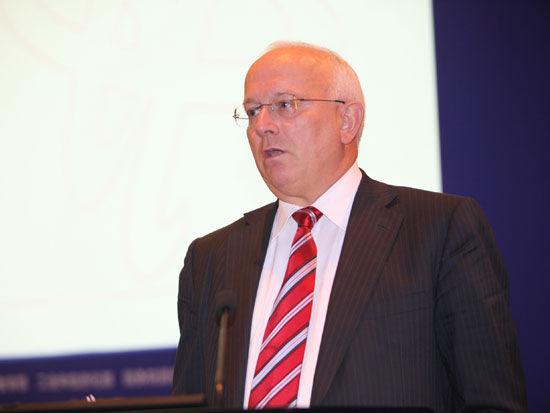 """""""2011中国金融高峰论坛""""于2011年5月18日-19日在北京举行。上图为瑞士艾德维克资产管理公司执行主席布鲁诺-阿施勒。(图片来源:新浪财经 梁斌 摄)"""