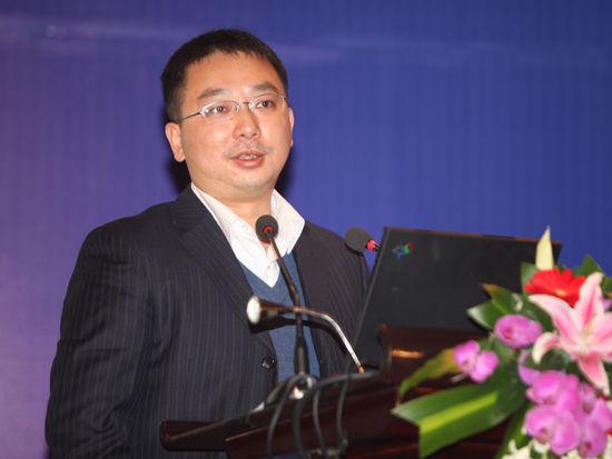 """""""2011中国快递论坛""""于2011年11月22日在北京举行。上图为亿贝公司亚太地区物流总经理汤亦珩。(图片来源:新浪财经 梁斌 摄)"""