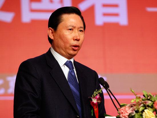 东方集团董事局主席、中国民间商会副会长张宏伟(新浪财经 陈鑫 摄)