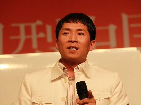 学习型中国促进会执行主席、北京人间远景文化教育集团董事长刘景斓(新浪财经 任立殿 摄)