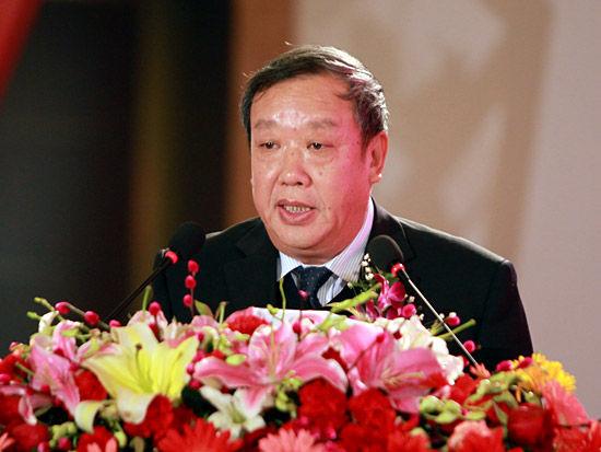 """""""第七届中国-企业社会责任国际论坛""""于2012年2月22日在北京举行。上图为国务院国资委副主任邵宁。(图片来源:新浪财经 梁斌 摄)"""
