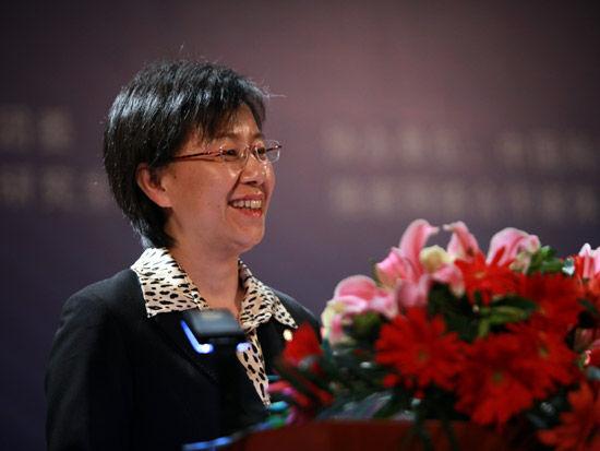2012第五届中科院青年创业大赛开幕式于4月28日在北京举行。上图为中国科学院研究生院副院长王颖。(图片来源:新浪财经 梁斌 摄)