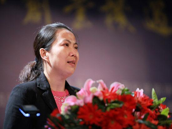 2012第五届中科院青年创业大赛开幕式于4月28日在北京举行。上图为中国科学院团委书记欧云。(图片来源:新浪财经 梁斌 摄)