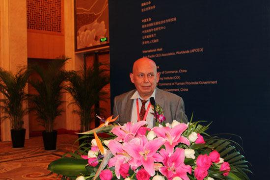 索菲亚科技大学教授伊万-伊万诺夫(图片来源:新浪财经)