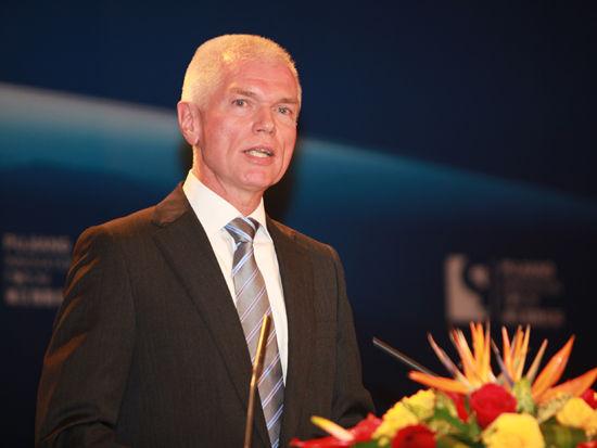 """由国家科学技术部和上海市政府共同主办的""""2012浦江创新论坛""""于11月2日-3日在上海召开。上图为德国驻上海代理总领事慕博思。(图片来源:新浪财经 梁斌 摄)"""