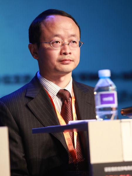 """""""2012中国技术商业领袖峰会""""于2012年11月16-17日在北京举行。上图为华为企业BG-UC&C产品线总裁陈奕泉。(图片来源:新浪财经 梁斌 摄)"""