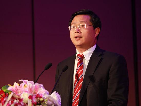 潘贤掌:政府应提供安全舒适低碳出行环境