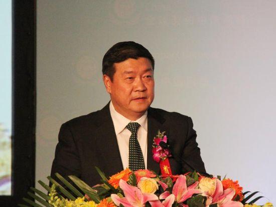 王文彪:防治荒漠化与绿色经济发展