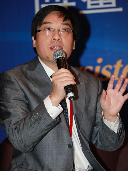 博鳌亚洲论坛2013年中小企业发展论坛16日-18日在海南博鳌举行,以上图片为企业家杂志社总编在万建民。(图片来源:新浪财经 梁斌 摄)