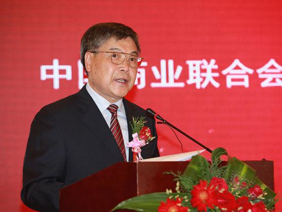 """""""中国酒类品牌评价发布会及未来十年白酒的挑战与机遇高峰论坛""""于10月7日在武汉举办。上图为中国商业联合会会长张志刚。(图片来源:新浪财经 梁斌 摄)"""