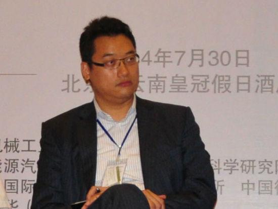 """""""2014中国(北京)国际能源峰会""""于7月28-30日在京举办。上图为中广核产业投资基金投资总监冯冠邦。(图片来源:新浪财经)"""