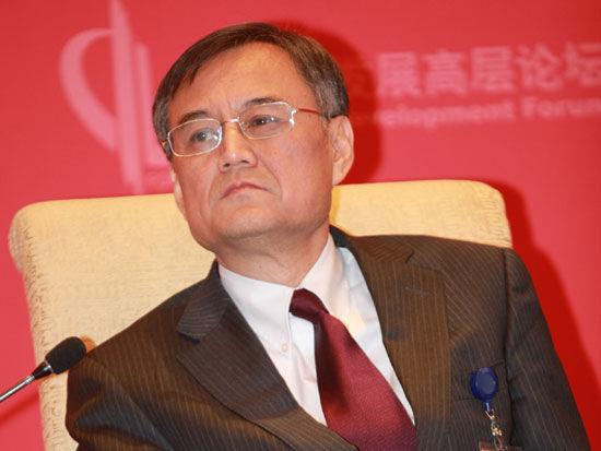 上图为清华大学经济管理学院院长钱颖一。(新浪财经 梁斌 摄)