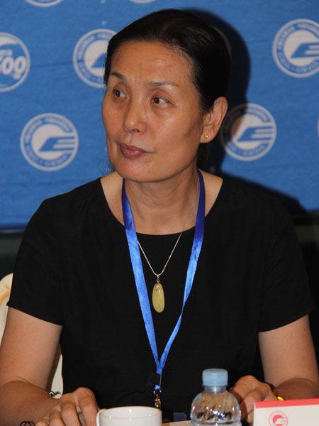 中国企业联合会驻会副会长尹援平