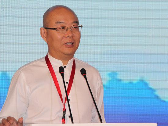 """""""正和岛'大健康产业'论坛""""于2015年9月22日在南宁召开。上图为正和岛创始人兼首席架构师刘东华。(图片来源:新浪财经)"""