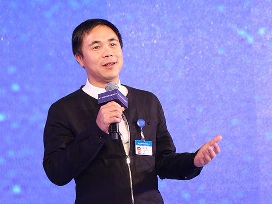 福建七匹狼实业股份有限公司董事长周少雄
