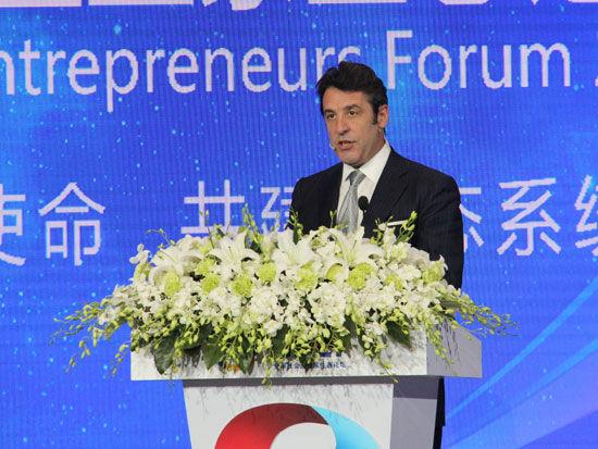 """""""首届全球社会企业家生态论坛""""于2015年11月25日-27日在北京召开。上图为全球中小企业联盟主席卡洛斯。(图片来源:新浪财经)"""