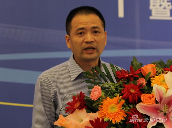 图为杭州银行副行长丁锋(新浪财经 杜琰摄)
