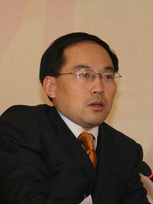 图文:CCTV2经济频道证券时间主持人姚振山
