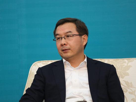 图为南银华基金管理有限公司总经理王立新。