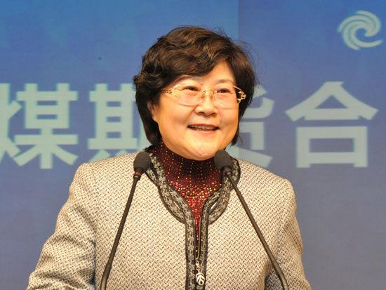 图为大连市政府副秘书长、市金融发展局局长曹煦。