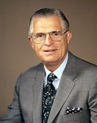 第6任CEO Richard C. Gerstenberg在任:1971年1月1日-1974年11月30日