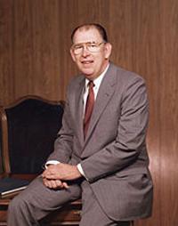 第9任CEO Robert C. Stempel在任:1990年8月1日-1992年11月1日